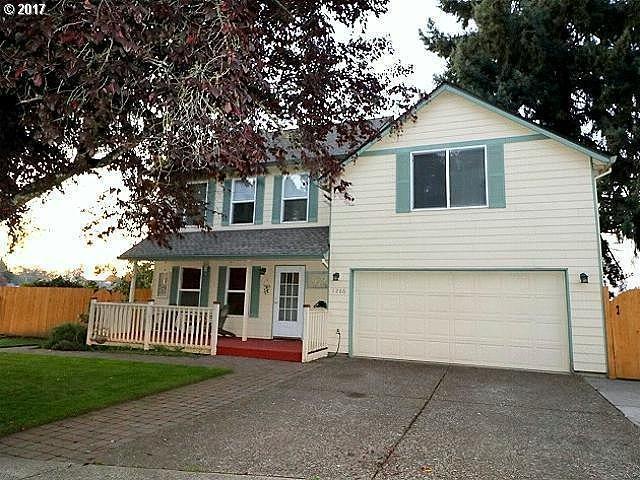 1286 S Cedar Loop, Canby, OR 97013 (MLS #17247646) :: Fox Real Estate Group