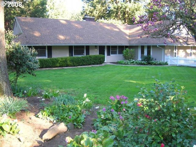 18966 Longfellow Ave, Lake Oswego, OR 97035 (MLS #17267353) :: TLK Group Properties