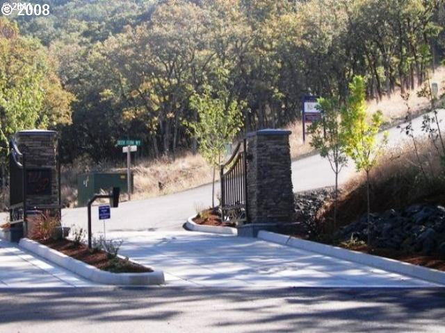 881 Southridge Way, Roseburg, OR 97470 (MLS #17267795) :: Realty Edge