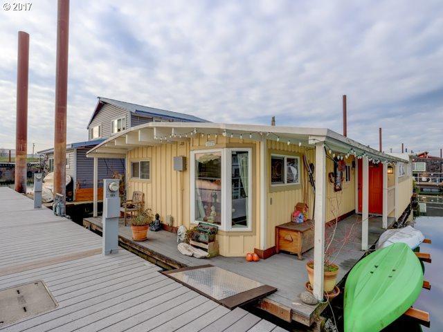 1817 N Jantzen Ave, Portland, OR 97217 (MLS #17303106) :: TLK Group Properties