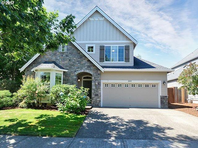 251 Burl St, Newberg, OR 97132 (MLS #17310505) :: Fox Real Estate Group