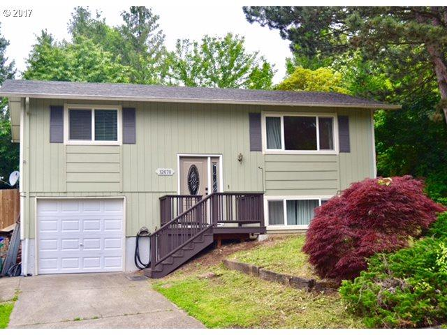 12670 SE 105TH Ave, Clackamas, OR 97015 (MLS #17316555) :: Matin Real Estate