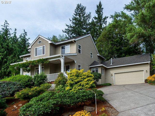 1340 10TH St, West Linn, OR 97068 (MLS #17318992) :: Fox Real Estate Group
