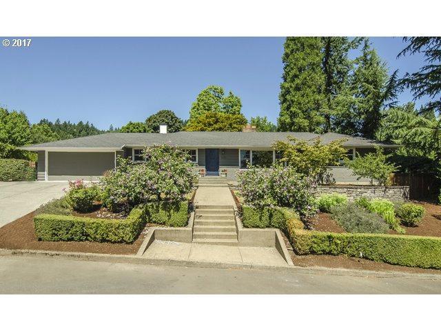 4821 SW Windsor Ct, Portland, OR 97221 (MLS #17328176) :: Hatch Homes Group