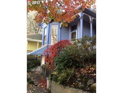 1718 SW Clay St, Portland, OR 97201 (MLS #17382552) :: SellPDX.com