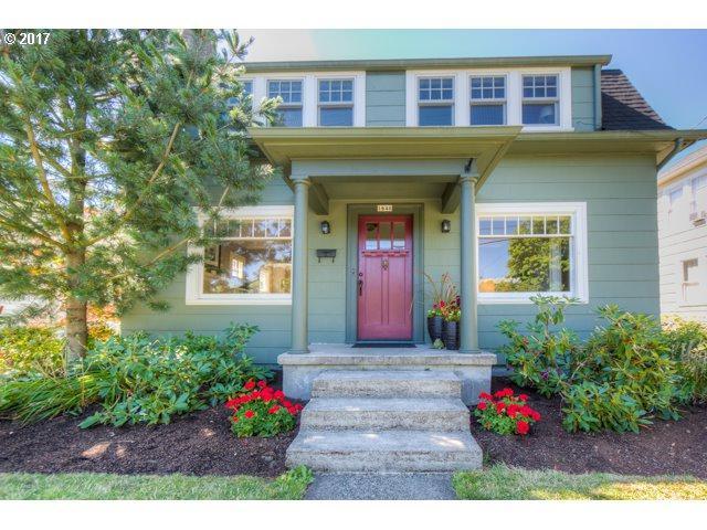 1646 SE Marion St, Portland, OR 97202 (MLS #17387254) :: Change Realty