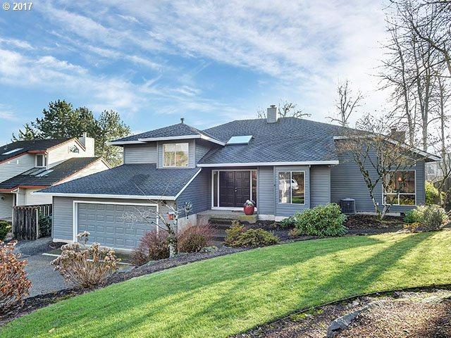 2734 Orchard Hill Ln, Lake Oswego, OR 97035 (MLS #17401211) :: Matin Real Estate