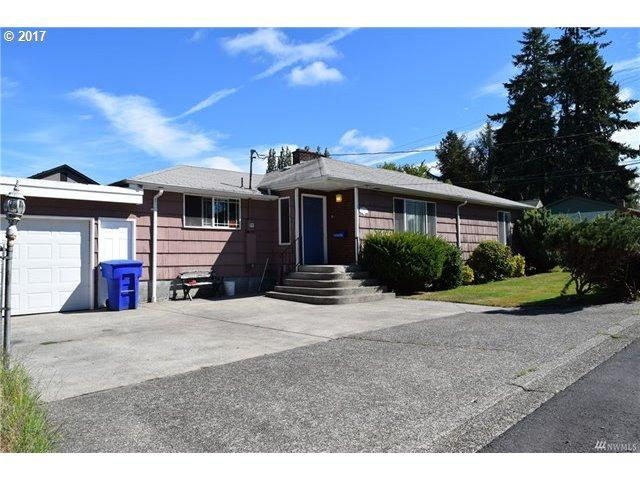 1521 Lord St, Kelso, WA 98626 (MLS #17409886) :: Fox Real Estate Group