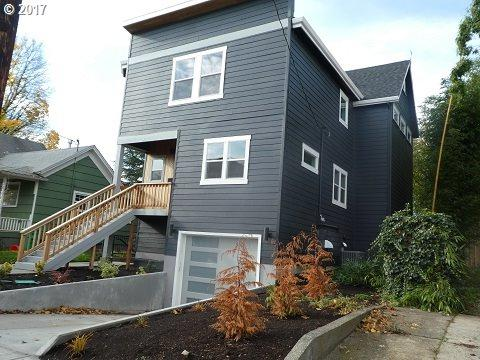 8623 SE 11TH Ave, Portland, OR 97202 (MLS #17441041) :: Hatch Homes Group