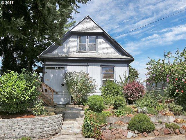 4111 SE Ellis St, Portland, OR 97202 (MLS #17493314) :: Hatch Homes Group