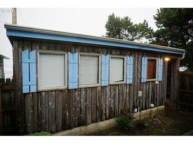 7451 NW Logan Rd, Lincoln City, OR 97367 (MLS #17503665) :: Harpole Homes Oregon