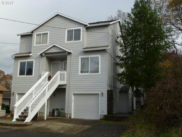 244 N 8TH St, St. Helens, OR 97051 (MLS #17515771) :: Premiere Property Group LLC