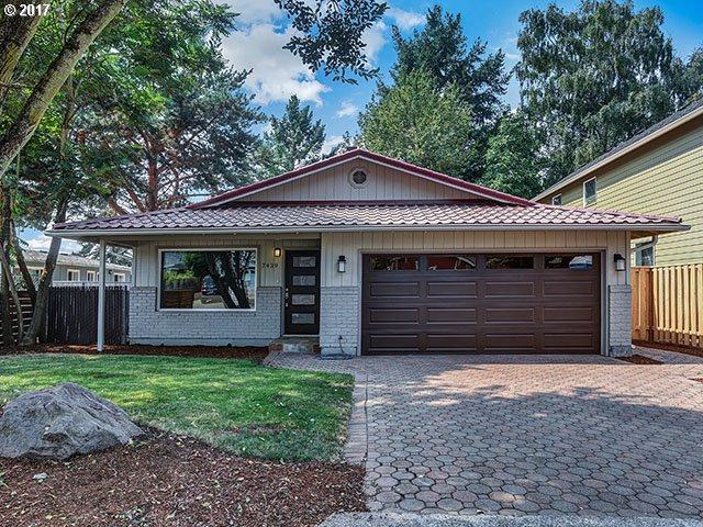 7439 SE 49 Ave, Portland, OR 97206 (MLS #17544276) :: Hatch Homes Group