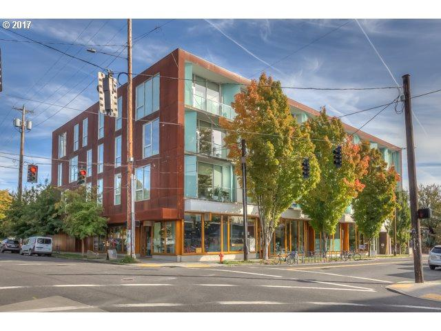 2530 SE 26TH Ave #309, Portland, OR 97202 (MLS #17559942) :: Hatch Homes Group
