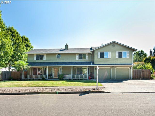 30960 SW Sandy Ct, Wilsonville, OR 97070 (MLS #17580252) :: Beltran Properties at Keller Williams Portland Premiere
