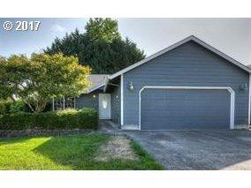 518 Cozy Way, Woodburn, OR 97071 (MLS #17600568) :: Stellar Realty Northwest