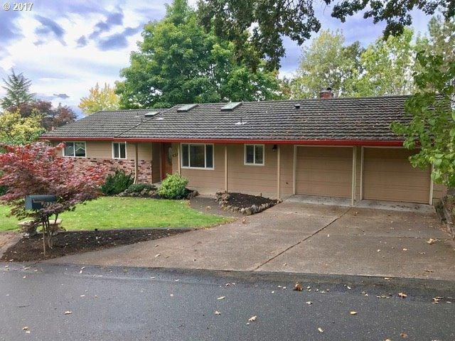 9375 SW 69TH Ave, Portland, OR 97223 (MLS #17603142) :: TLK Group Properties