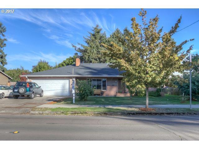 640 SE 12TH Ave, Hillsboro, OR 97123 (MLS #17621178) :: Matin Real Estate
