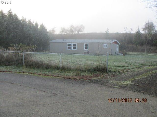 225 Frank St, Glide, OR 97443 (MLS #17635624) :: Song Real Estate