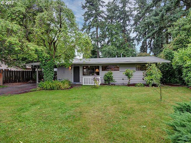 12445 NE Hassalo St, Portland, OR 97230 (MLS #17638743) :: Stellar Realty Northwest