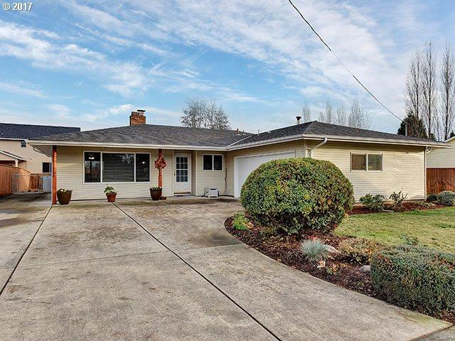 51884 6TH St, Scappoose, OR 97056 (MLS #17640880) :: Next Home Realty Connection