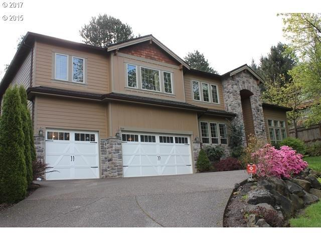 7824 SE 114TH Ave, Portland, OR 97266 (MLS #17654062) :: Matin Real Estate