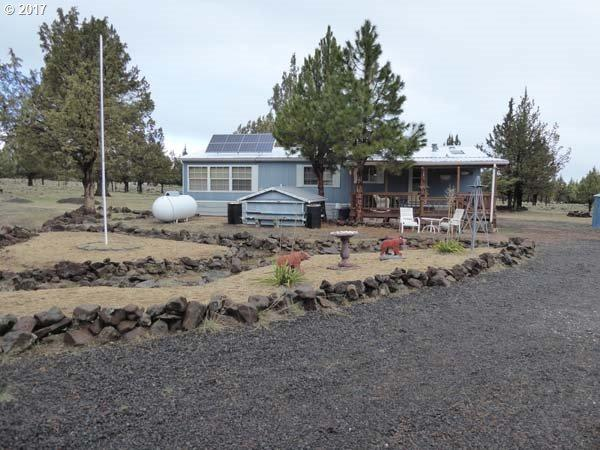 12320 SW Airfield Ln, Culver, OR 97734 (MLS #17660142) :: Cano Real Estate