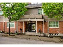 210 S State St #1, Lake Oswego, OR 97034 (MLS #17686058) :: Portland Real Estate Group