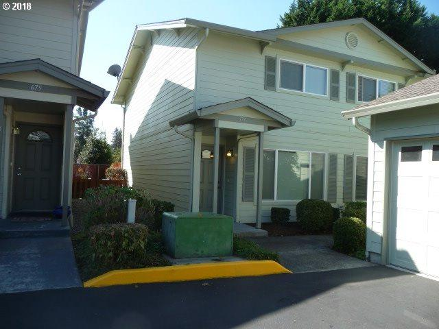 677 32ND St #1, Washougal, WA 98671 (MLS #18000139) :: The Sadle Home Selling Team