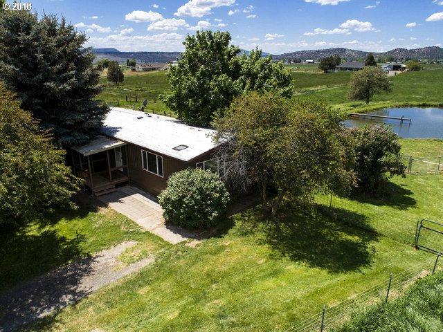 2717 NE Johnson Creek Rd, Prineville, OR 97754 (MLS #18011240) :: R&R Properties of Eugene LLC