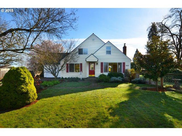 1513 Mill St, Springfield, OR 97477 (MLS #18013495) :: Song Real Estate