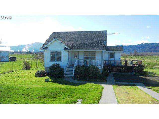 301 W Birnie Slough Rd, Cathlamet, WA 98612 (MLS #18015557) :: Harpole Homes Oregon