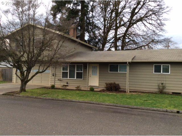 90 Melvin Ave, St. Helens, OR 97051 (MLS #18016749) :: Premiere Property Group LLC