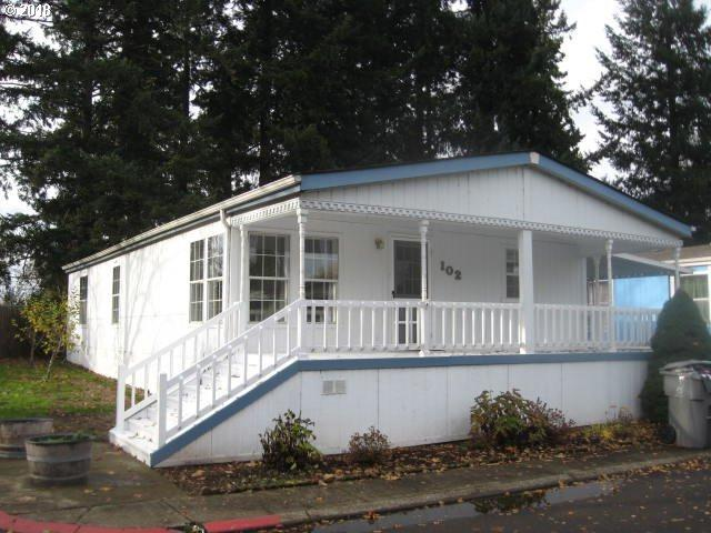 1400 S Elm St #102, Canby, OR 97013 (MLS #18018422) :: Next Home Realty Connection
