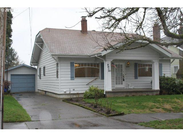 2013 SE 56TH Ave, Portland, OR 97215 (MLS #18019397) :: SellPDX.com