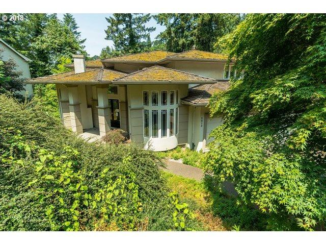 2013 Ridgewood Rd, Lake Oswego, OR 97034 (MLS #18027125) :: McKillion Real Estate Group