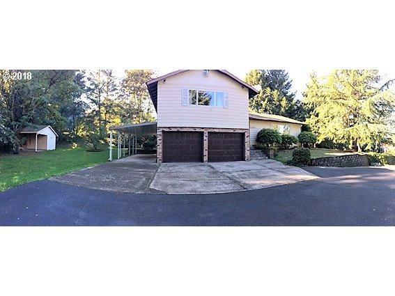 12250 SE Flavel St, Portland, OR 97236 (MLS #18039346) :: Stellar Realty Northwest