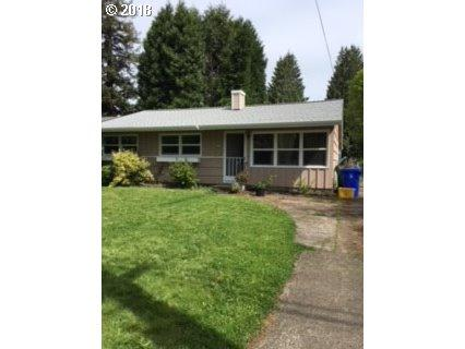 7015 N Amherst St, Portland, OR 97203 (MLS #18059354) :: The Dale Chumbley Group