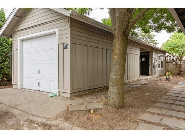 523 Hanover St, Eugene, OR 97402 (MLS #18074172) :: Song Real Estate