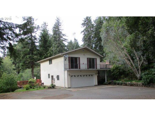 95031 Myrtlewood Ln, Coos Bay, OR 97420 (MLS #18084144) :: The Dale Chumbley Group