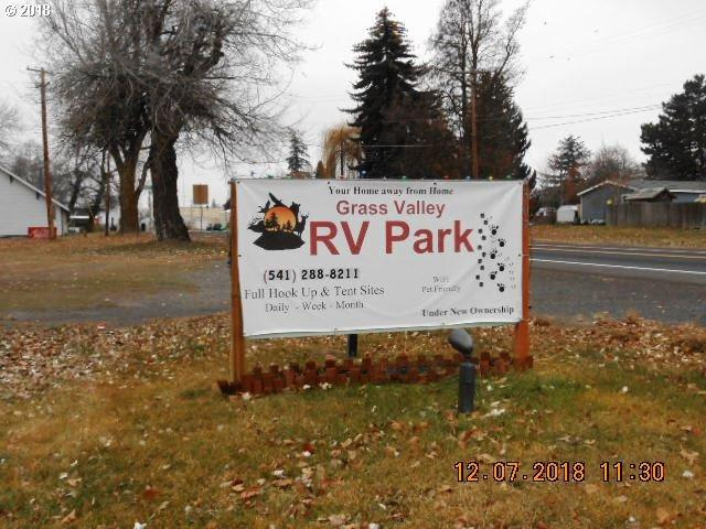 307 N Mill St, Grass Valley, OR 97029 (MLS #18086692) :: R&R Properties of Eugene LLC