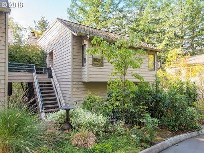 237 Cervantes, Lake Oswego, OR 97035 (MLS #18087684) :: The Sadle Home Selling Team