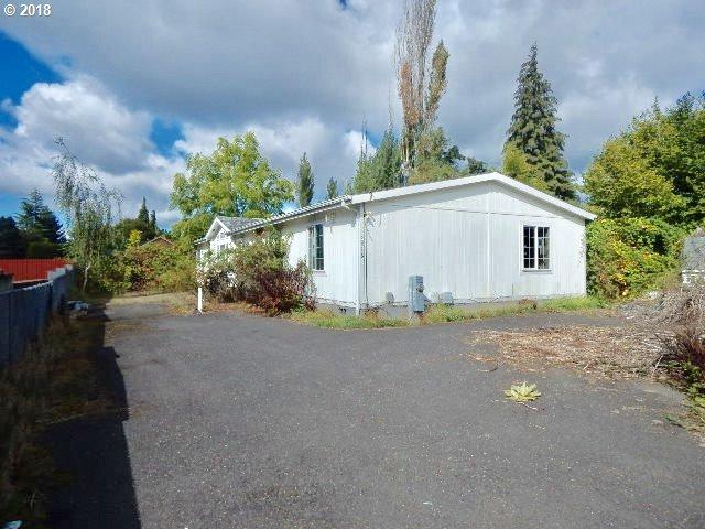 3916 NE 54TH Ave, Vancouver, WA 98661 (MLS #18099954) :: The Sadle Home Selling Team
