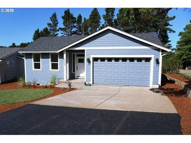 5985 Balboa Ave, Depoe Bay, OR 97341 (MLS #18110278) :: Portland Lifestyle Team