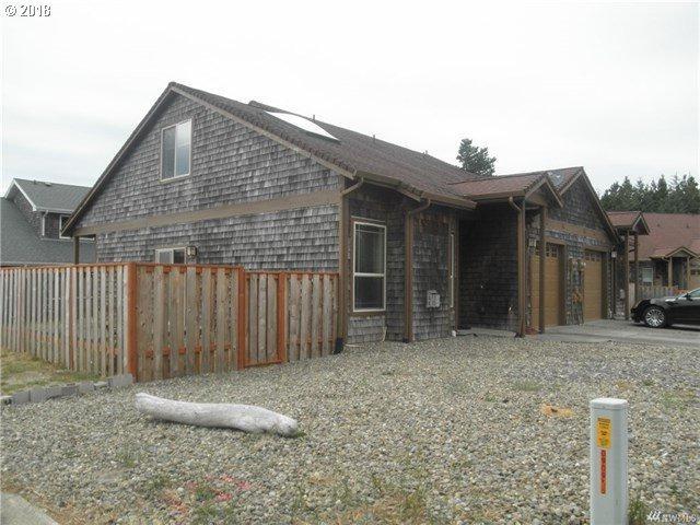 138 28TH St, Long Beach, WA 98631 (MLS #18125331) :: Cano Real Estate