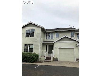 13894 SE Autumn Ridge Ter, Milwaukie, OR 97267 (MLS #18130565) :: Fox Real Estate Group