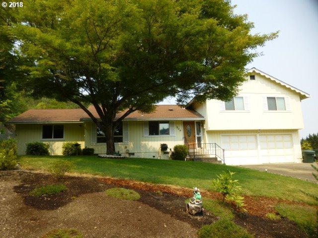 904 SE Murray Ct, Roseburg, OR 97470 (MLS #18135060) :: Harpole Homes Oregon
