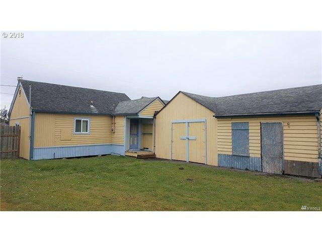 5006 Pacific Way, Seaview, WA 98644 (MLS #18146093) :: Song Real Estate