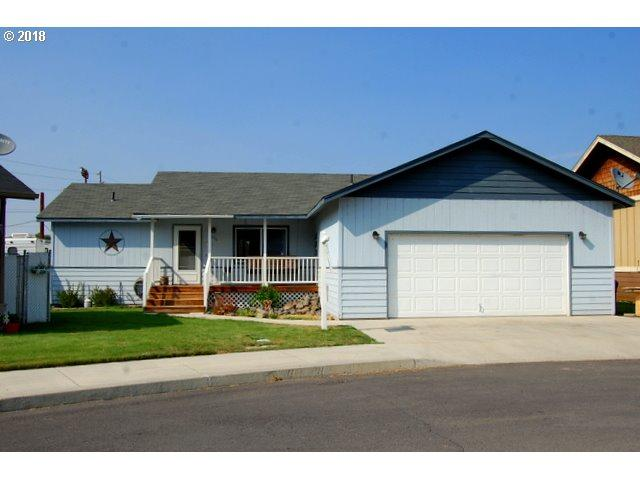 653 NW Nelson Ct, Prineville, OR 97754 (MLS #18150360) :: Cano Real Estate