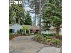 3240 Westview Ct, Lake Oswego, OR 97034 (MLS #18153107) :: Next Home Realty Connection